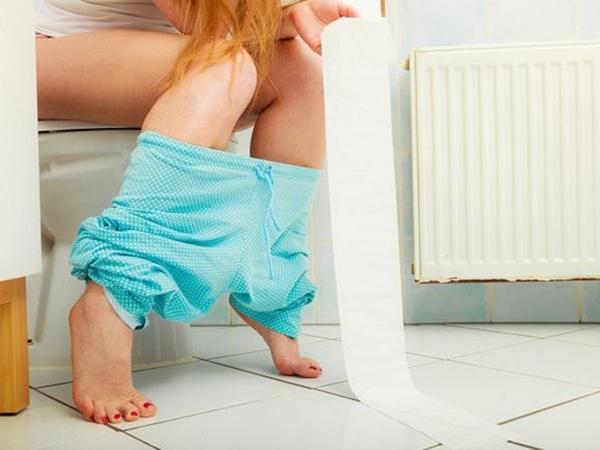 Nằm mơ thấy đi vệ sinh là điềm báo gì?